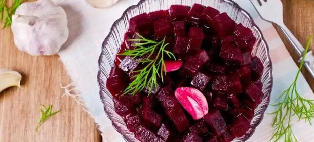 Beets in the microwave - the fastest ways of preparing vegetables for salad and not only!