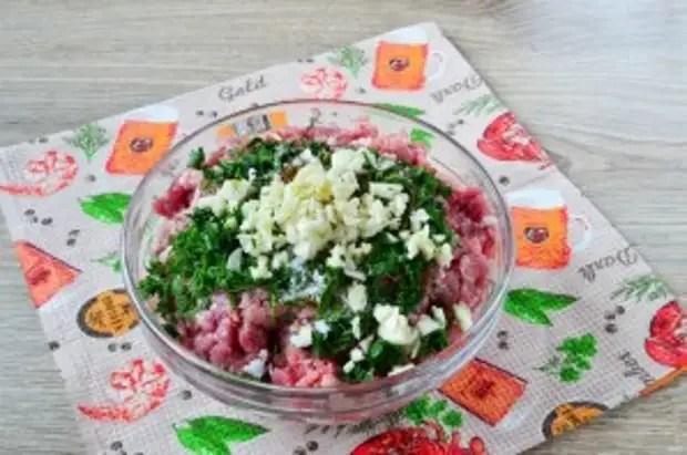 Обалденные колбаски с зеленью и чесноком - фото шаг 5