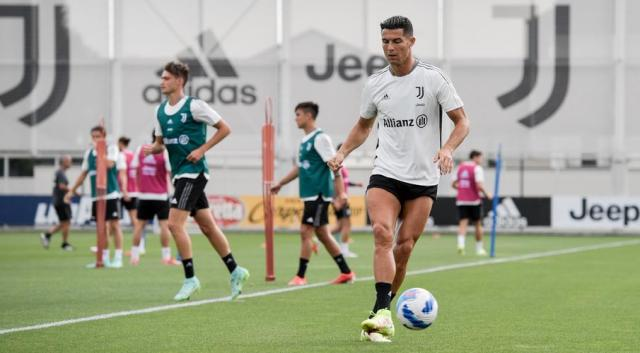 Ronaldo's future hangs over Juve as they look for first win