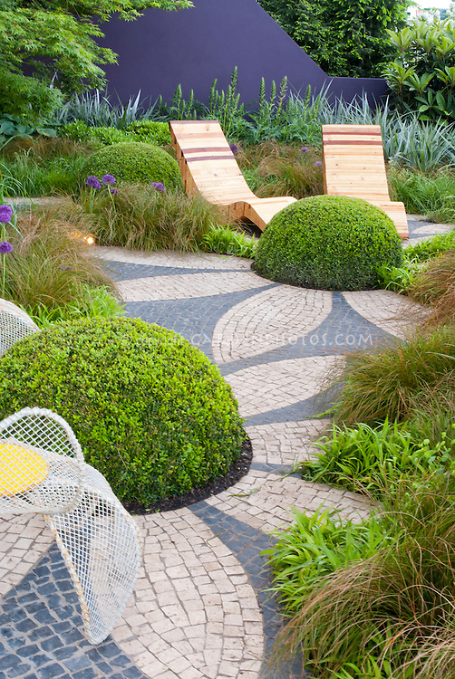 Textures and shapes in the garden landscape | Plant ... on Patio Shape Designs id=81773