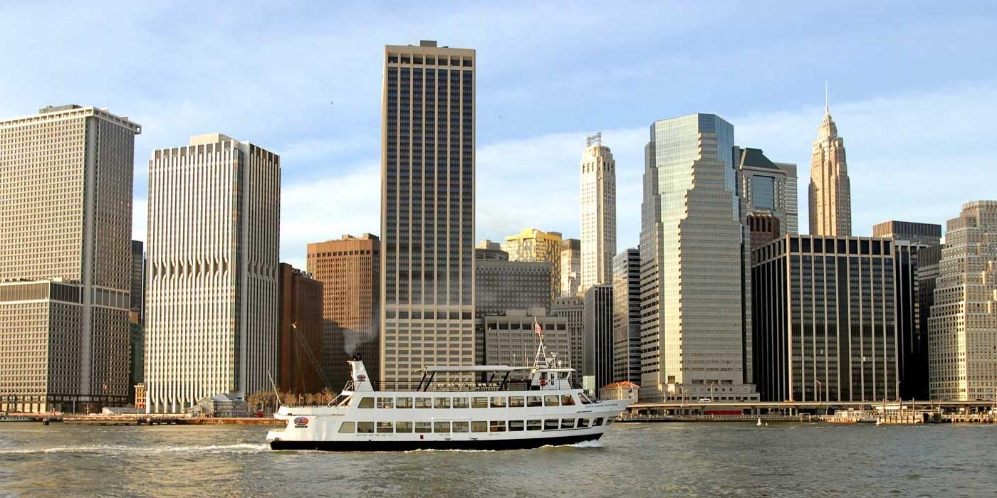 $12 – Sail Past Historic Landmarks on NYC Sightseeing ...
