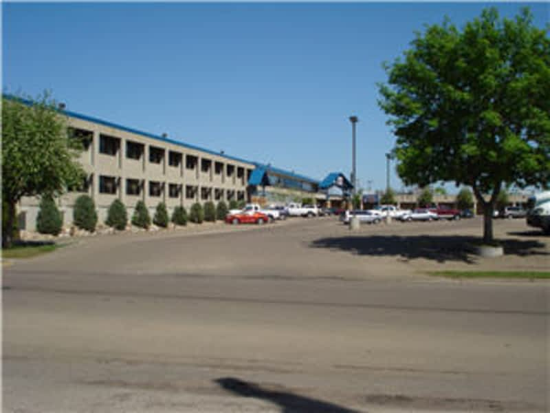 Travelodge Edmonton AB 3414 118th Avenue NW Canpages