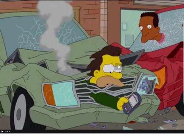 Carl lenny accidente 1024x752 Los Simpson y las redes sociales desde una perspectiva sociológica