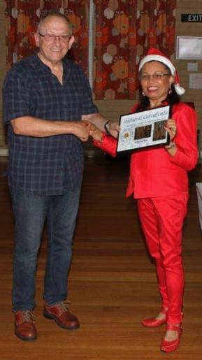 SSOS President congratulates Tess on winning HCC