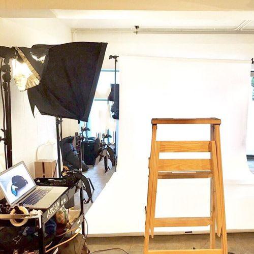 先日はとある企業さんの商品撮影でした!中目黒のスタジオにて。#商品撮影#カメラマン#中目黒#googolfilmsstudio#ポートレート撮影#インフルエンサー#モデル