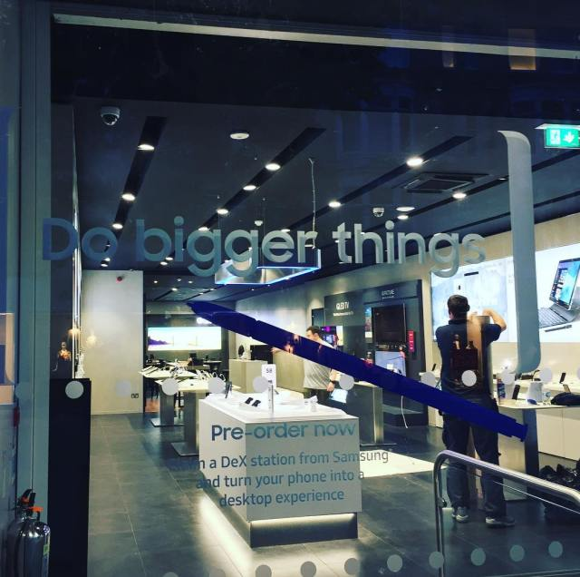 Window graphics fitted in Samsung Cardiff flagship store