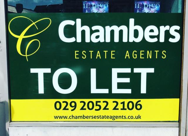 To Let window graphic on one of @chambersestateagents properties in Cardiff