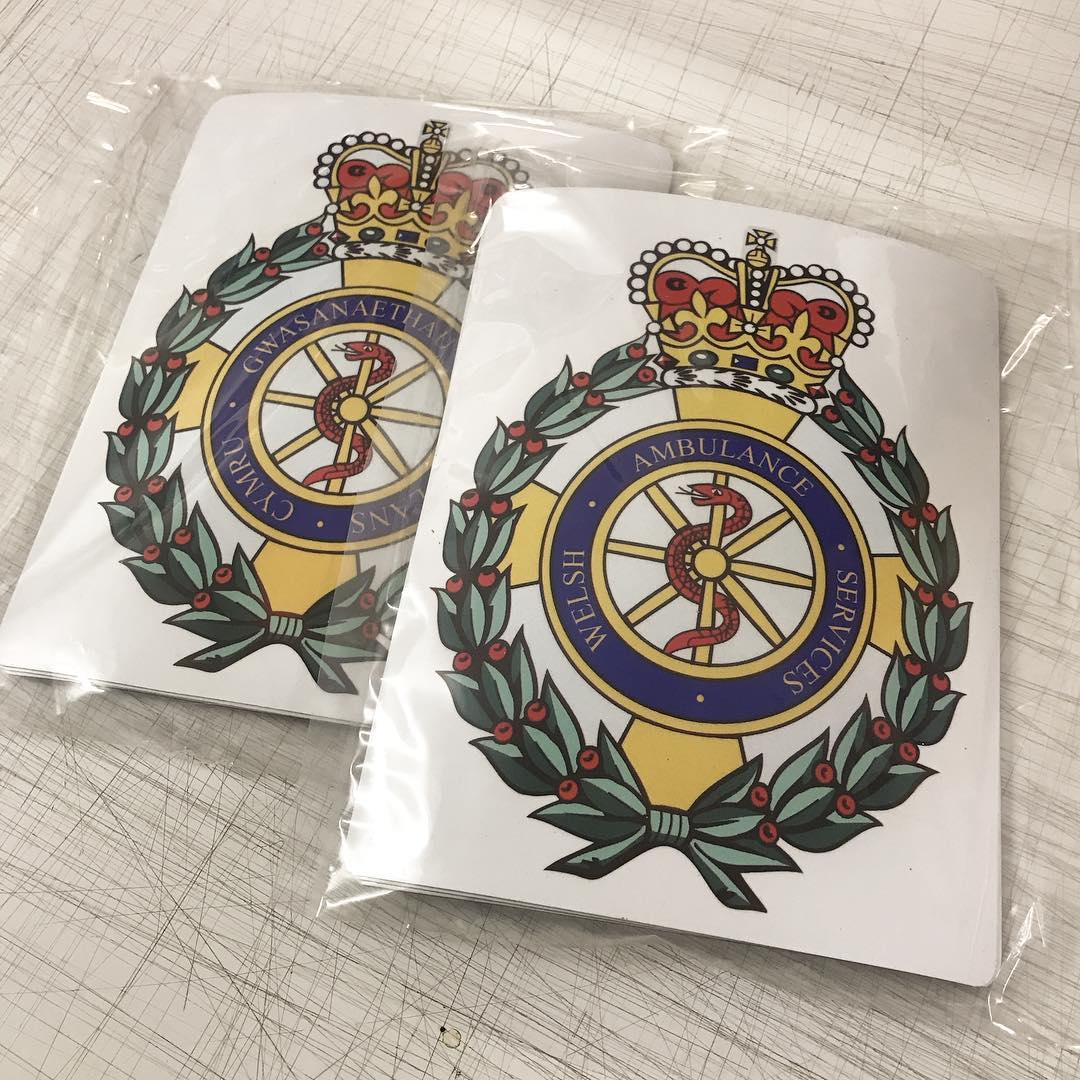 🏴 🚑 Gwasanaethau Ambiwlans Cymru (Welsh Ambulance Services) magnetics produced and packaged ready to be collected
