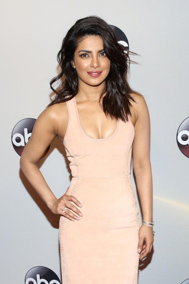 Priyanka-Chopra-2016-ABC-Upfront-Red-Carpet-Fashion-Dion-Lee-Tom-Lorenzo-Site-1