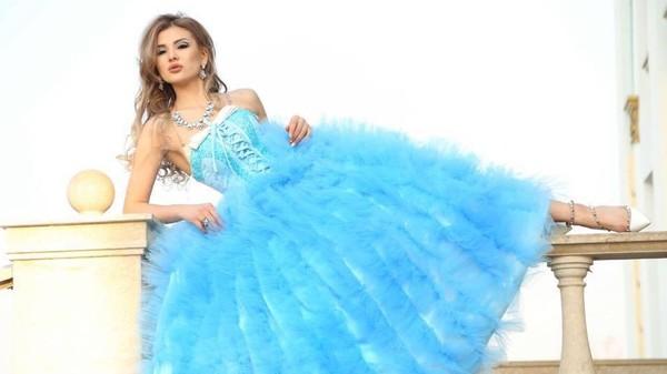 Сабрина Суранова представляет Кыргызстан на конкурсе ...