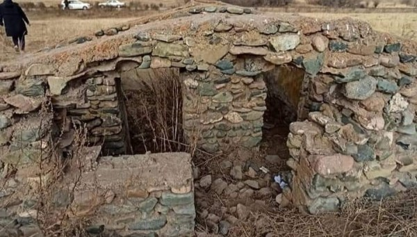 Turmush: Народные легенды: Каменная тюрьма в Жумгале (фото)