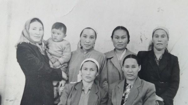 Turmush: Фото — А.Айтбаева, оставшаяся одна из 20 детей в ...