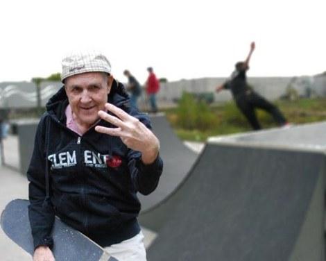Nach Bianka Echtermeyer sollte dieser liebenswürdige alte Herr wohl lieber im Seniorenheim Bingo spielen