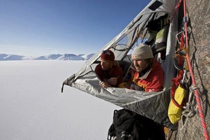 """""""Hang loose"""" auf oder besser über Baffin Island (Foto: Klaus Fengler)"""