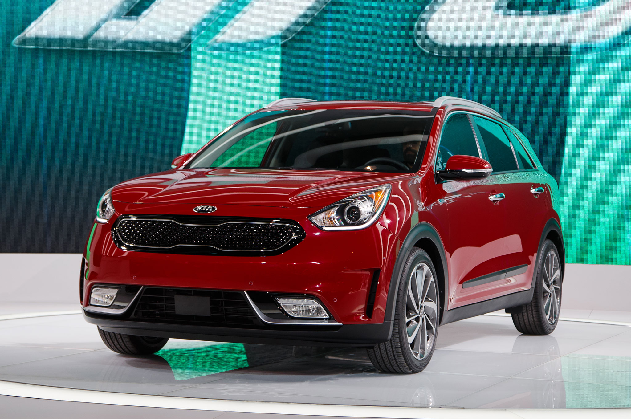 5 Things You Didnt Know About The 2017 Kia Niro Hybrid