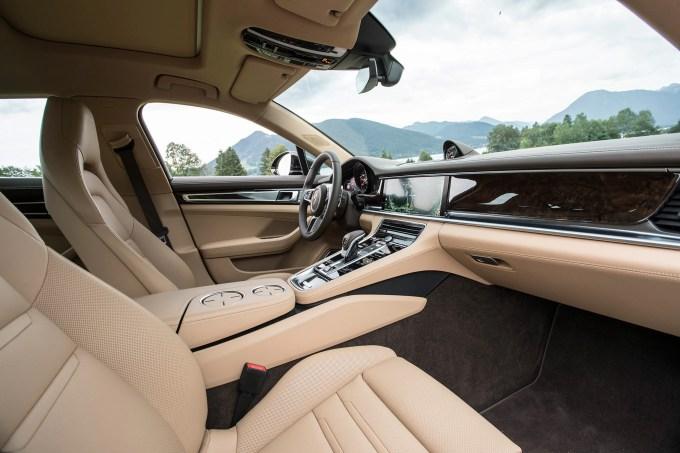 2017 Porsche Panamera 4s First Drive Review Automobile Magazine Interior
