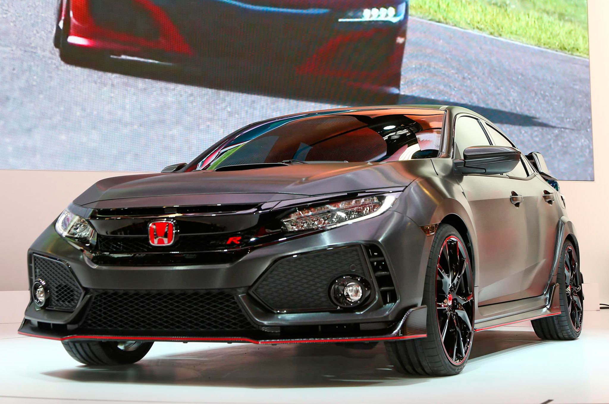 Six Tech Details On The 2017 Honda Civic Type R To Geek