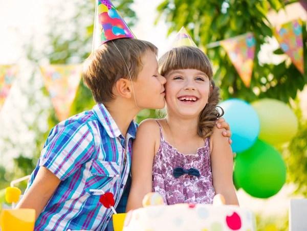 ᐈ Мальчик с девочкой целуется: картинки и фото мальчик ...