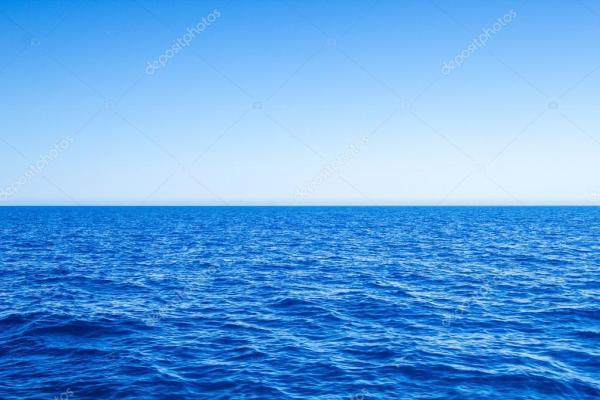 NET ufuk çizgisi ve gökyüzü mavi deniz deniz manzarası ...