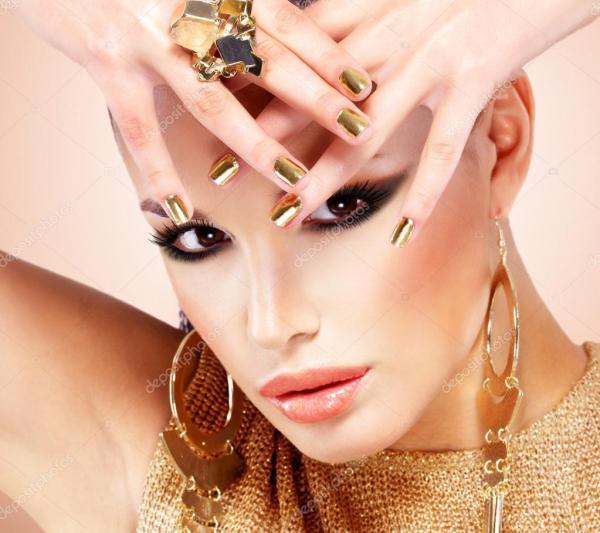 красивые моды женщина с черный макияж — Стоковое фото ...