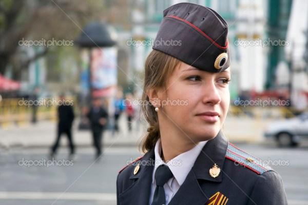 Девушки в форме полиции россии. Девушка офицер полиции в ...