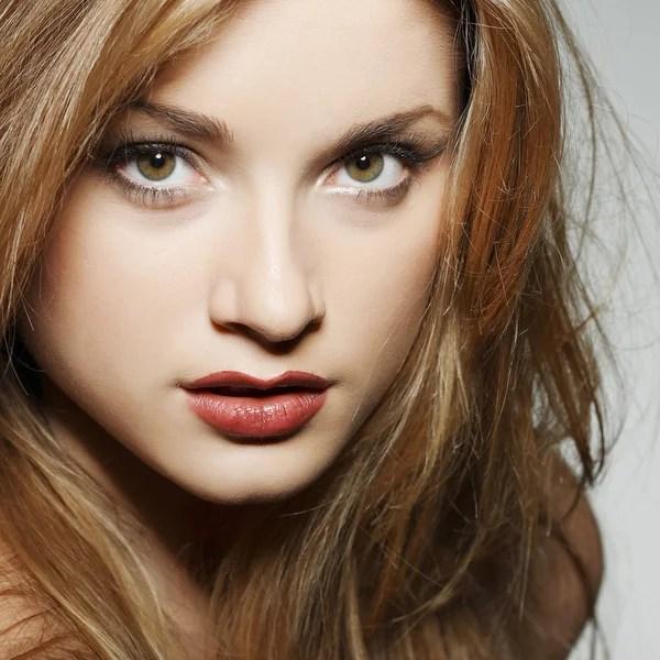 Наслаждение. Портрет женщины подлинный Золотой волос с ...