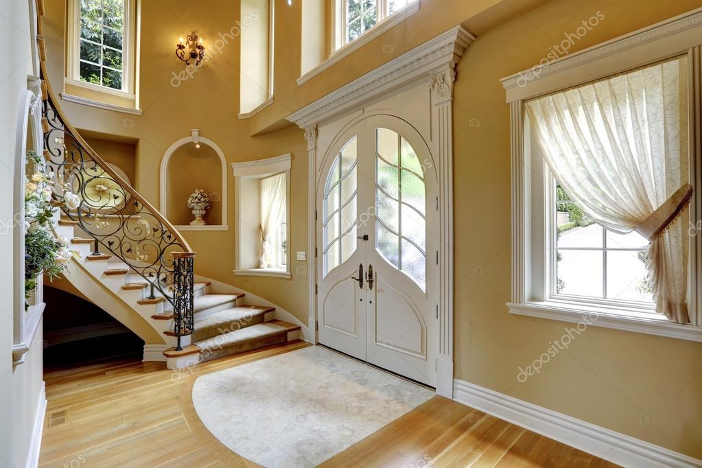 Luxus Haus Innen Eingangshalle Stockfoto Iriana88w