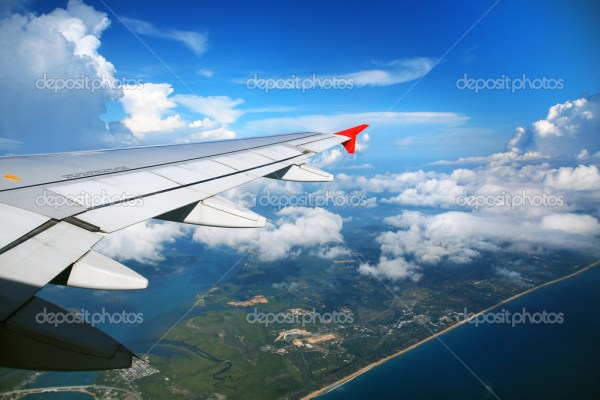 Фото: вид из самолета. Пхукет вид из самолета — Стоковое ...