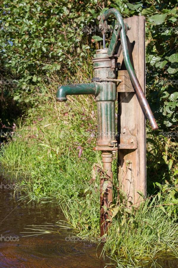 Старый фонтан воды — Стоковое фото © michaklootwijk #37641019