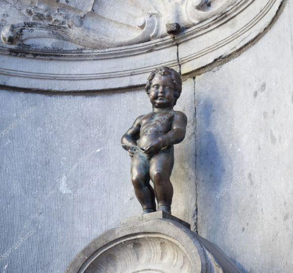 Писающий мальчик мочиться в Брюсселе (Бельгия) – Стоковое ...