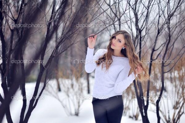 Фото: девушки в зимнем лесу | Фотографии девушек зимой в ...