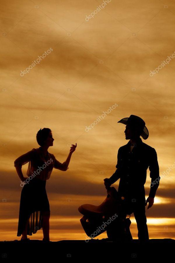Силуэт женщины чисто юбка палец вверх — Стоковое фото ...