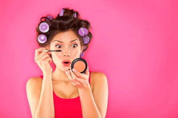 ᐈ Mujer maquillandose imágenes de stock, fotos mujeres ...