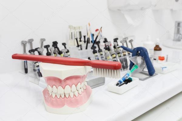 Зубные инструменты — Стоковое фото © photographee.eu #27616461