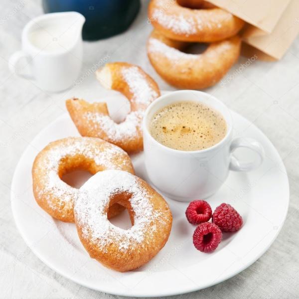 Картинки: завтрак утром. Пончики и кофе на стол завтрак ...
