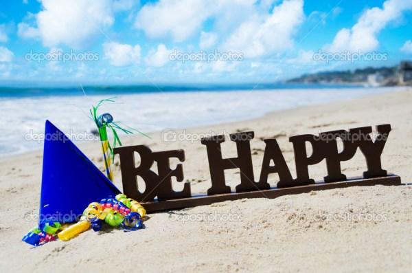 С днем рождения пляж. Знак «быть счастливым» с днем ...