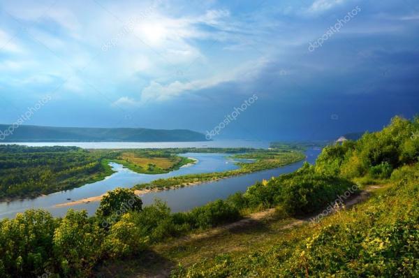 Река Волга в Самаре — Стоковое фото © elenstudio #36409531
