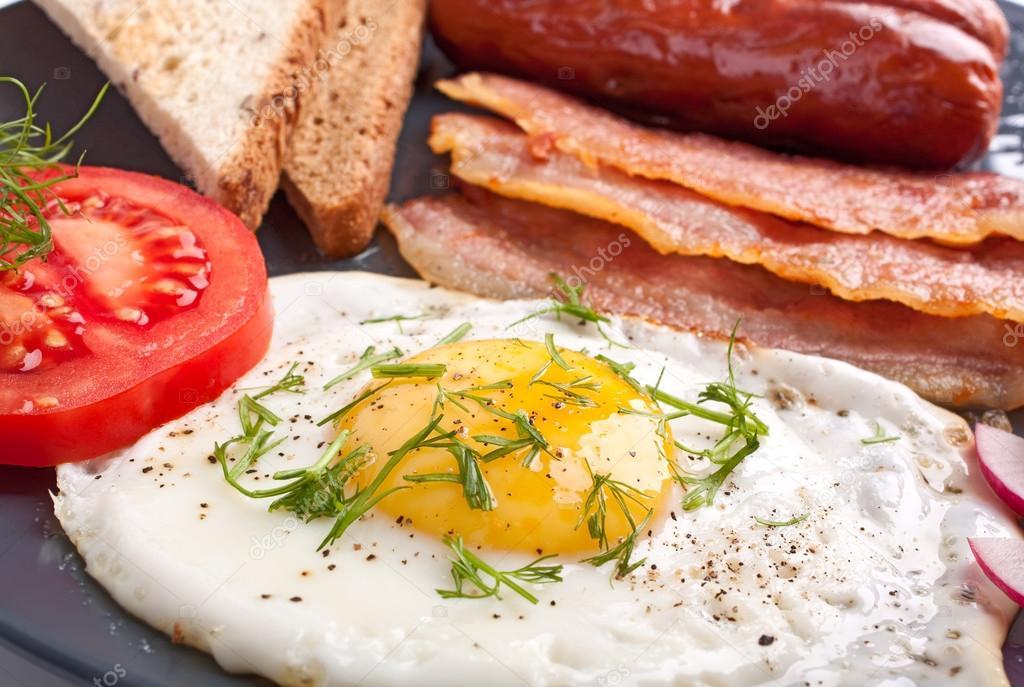 Αποτέλεσμα εικόνας για αυγα με λουκανικα
