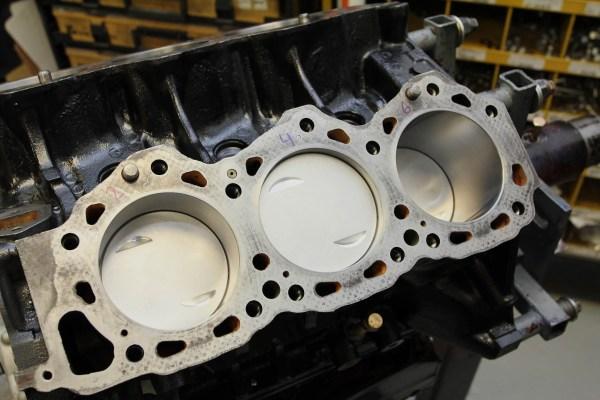 Outside the Box: Nissan V6 Race Engine - Hot Rod Network