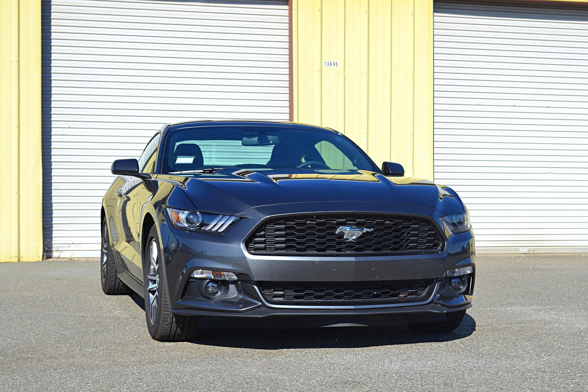 027_Ecoboost_Mustang_dragstrip_front.JPG