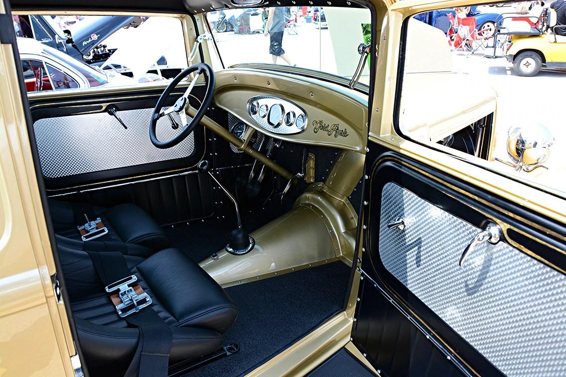 1932-ford-sedan1