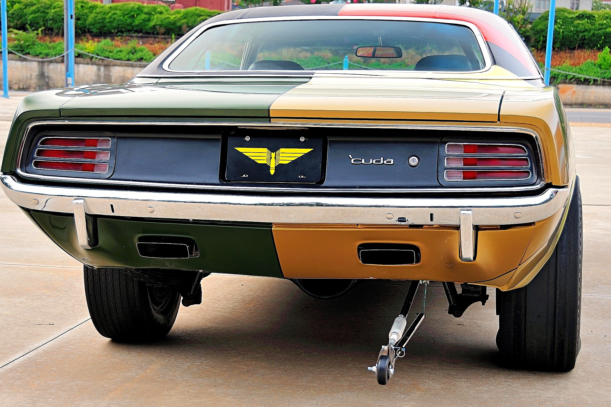 1970-plymouth-barracuda-rear