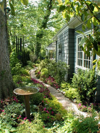 Design Caller ~ Selected Spaces: Beautiful Small and Side ... on Side Yard Designs  id=72437