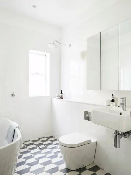 Beach Style Bathroom by Decus Interiors