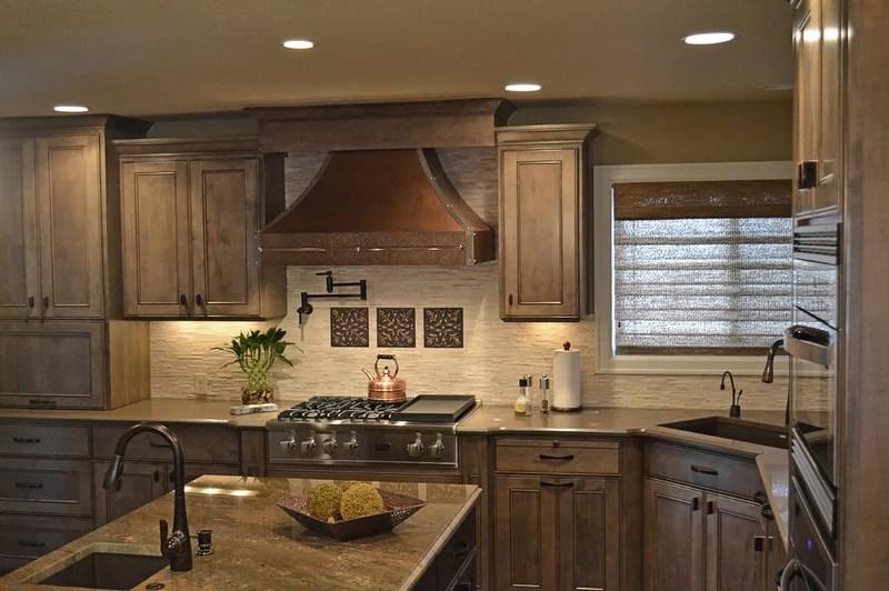 Traditional Kitchen by GPPhotographers