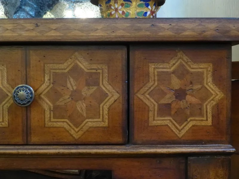 12 Steps Before Buying an How to Judge the Quality of Antique Furniture