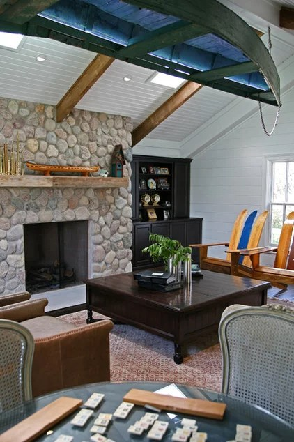 traditional living room by Interior Changes home design