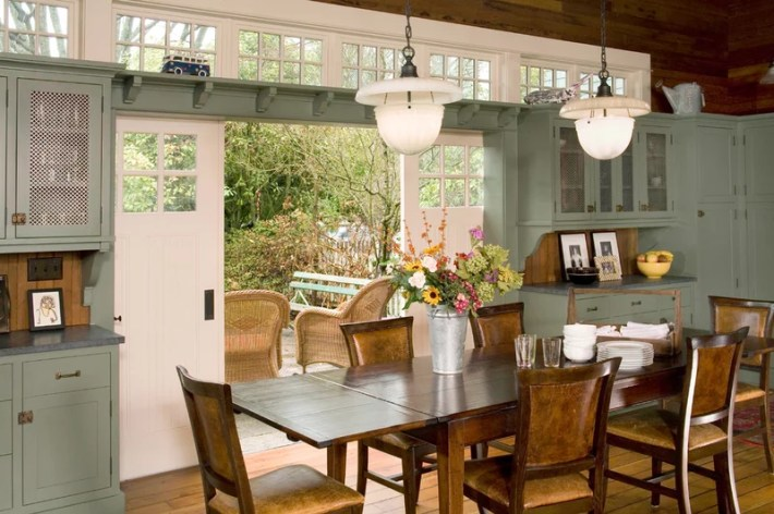 traditional dining room by Sandra Lindsay Design