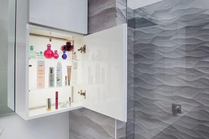 Modern Bathroom by Retreat Design