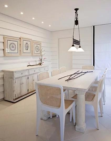 rustic dining room by Marcelo Brito & Pedro Potaris